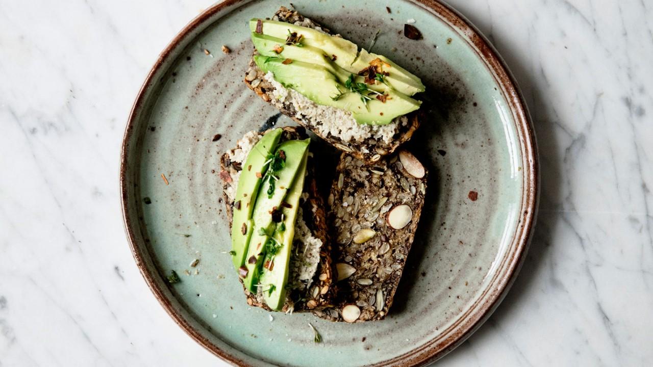 An Easy Grain & Gluten-Free, Paleo-Friendly Bread Recipe Actually Exists
