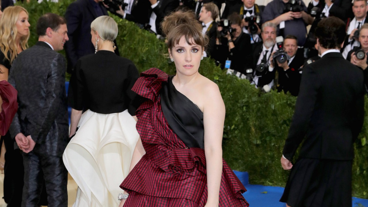 Lena Dunham Pulled a Katy Perry and Shaved Off All Her Hair