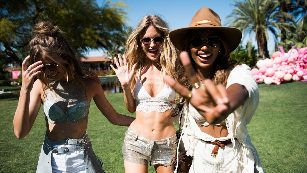 "We Asked 4 Victoria's Secret Angels to ""Build Their Own Salad"""