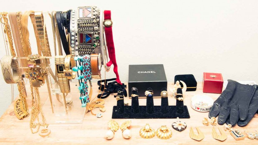 A Step-by-Step Guide to Buying Jewelry from a Pawn Shop
