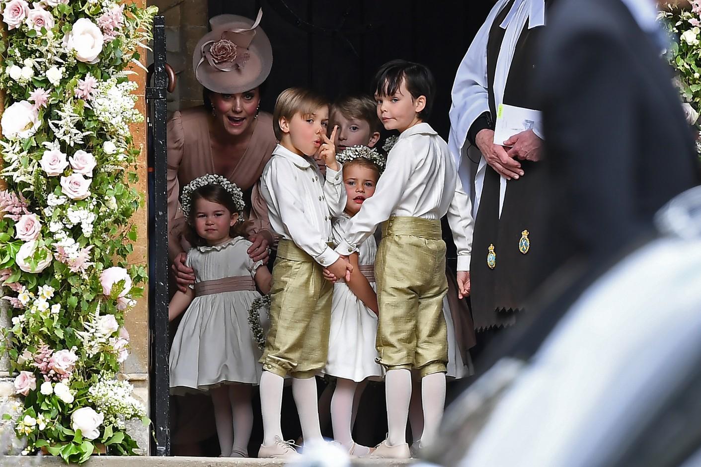 Pippa S Wedding.Photos Of Pippa Middleton S Wedding And Wedding Dress Coveteur