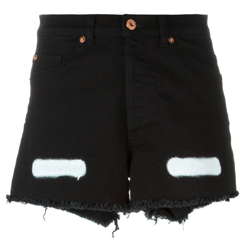 02142d9381 The Denim Shorts Cov Editors Are Wearing This Summer - Coveteur
