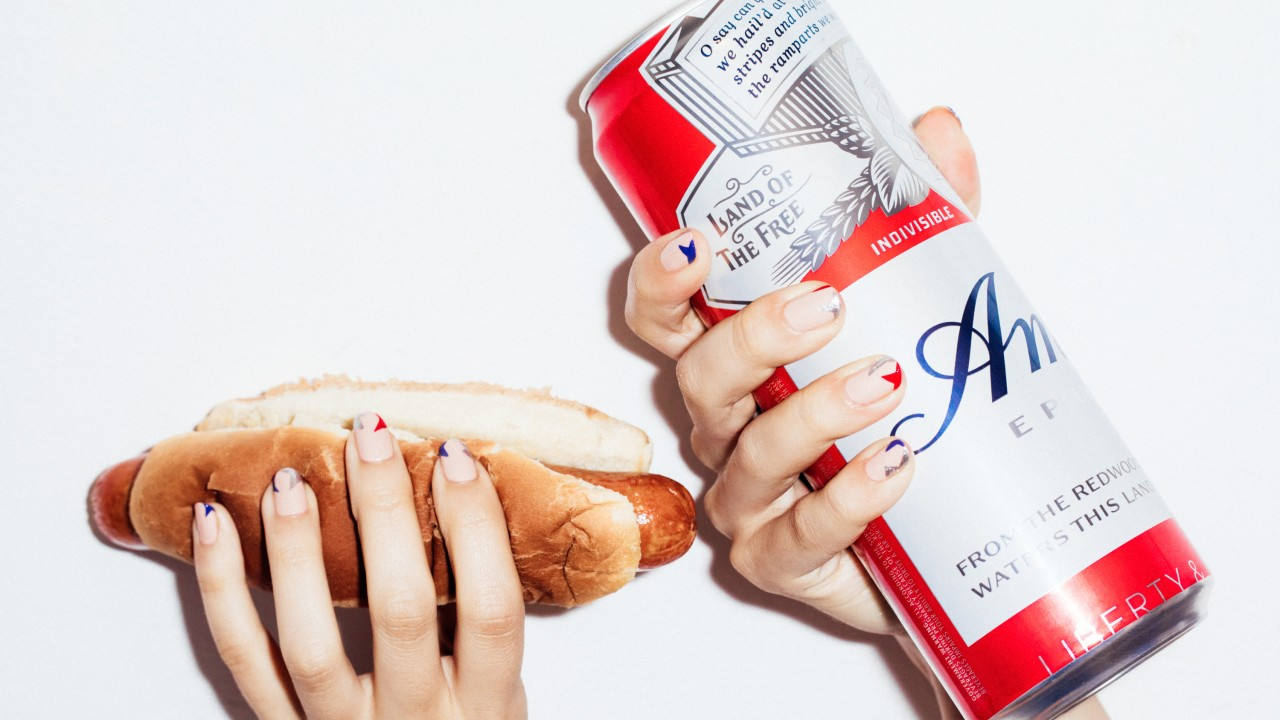 A Fourth-of-July Nail Art Design That's Actually Chic