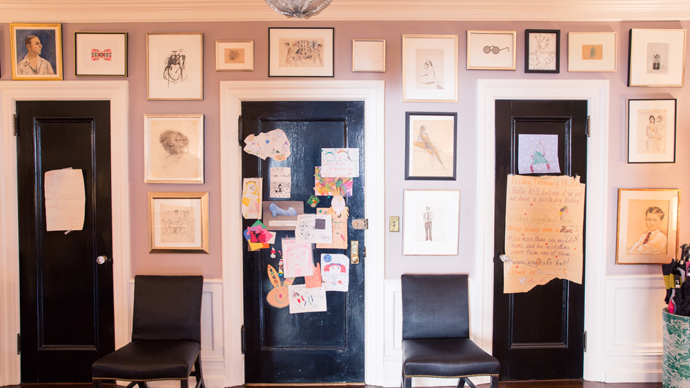 How to Hang a Professional-Looking Gallery Wall