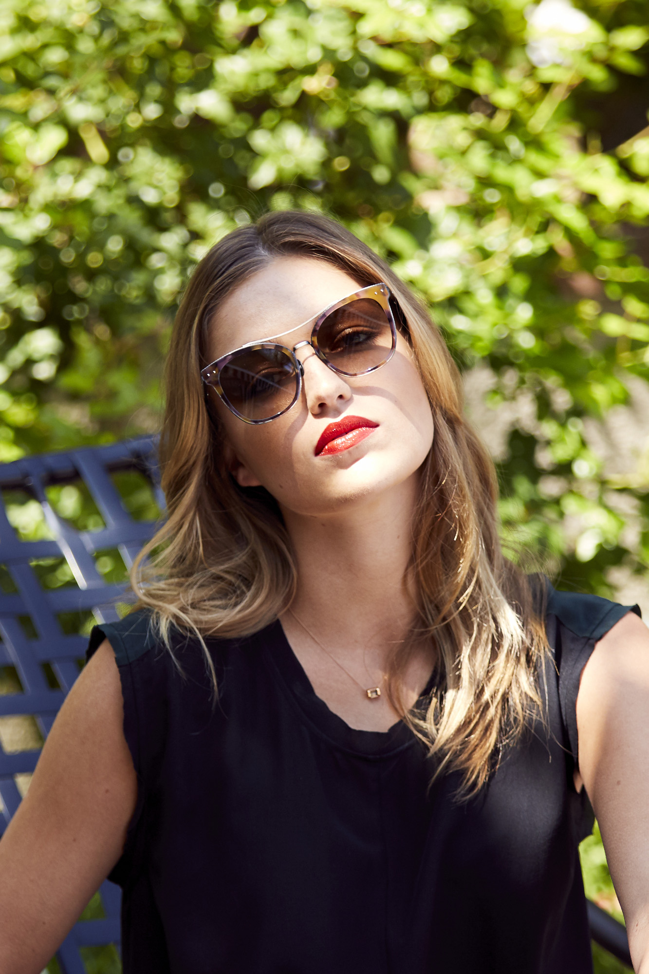 Westworlds Lili Simmons Shares Her Summer Beauty Routine Coveteur Spray Air
