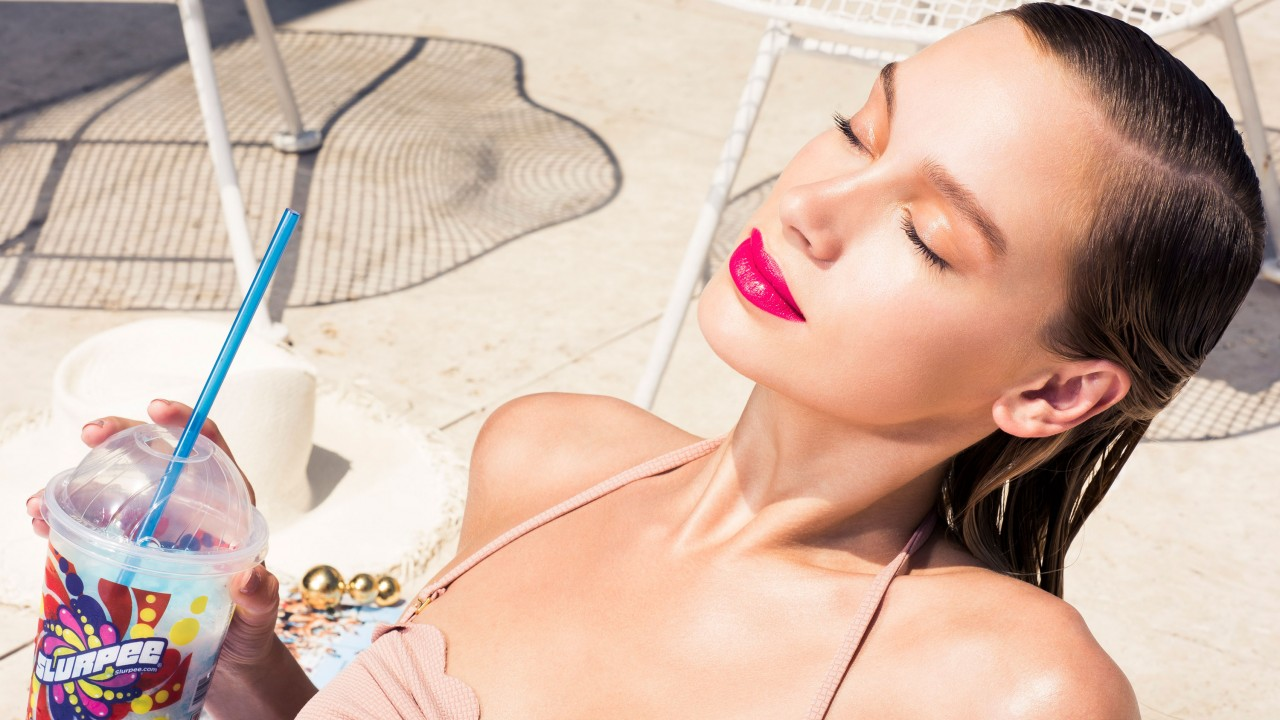 This Lipstick Is All You Need for Lazy Summer Beauty