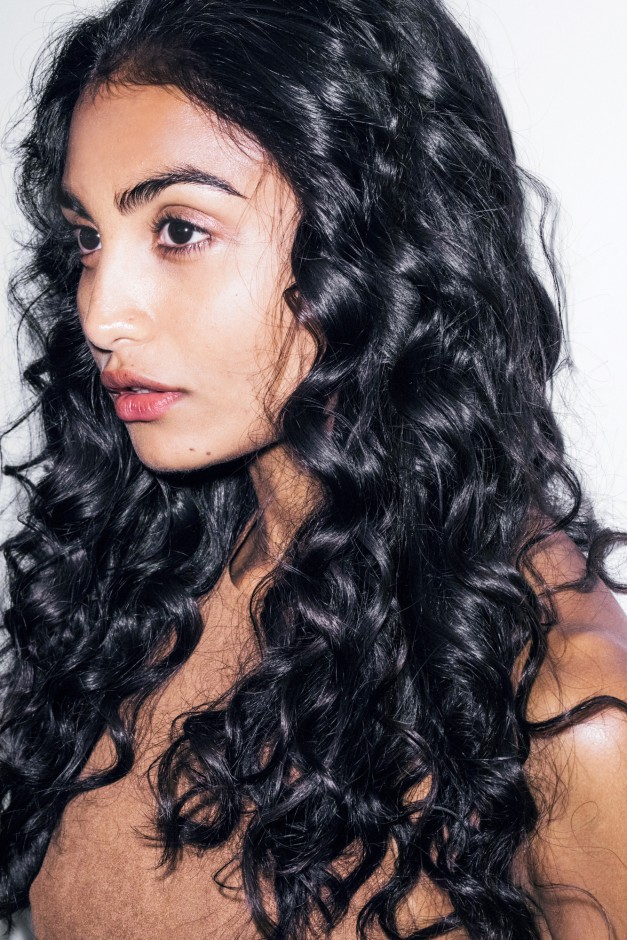 How To Properly Blow Dry Frizz Free Curly Hair Coveteur