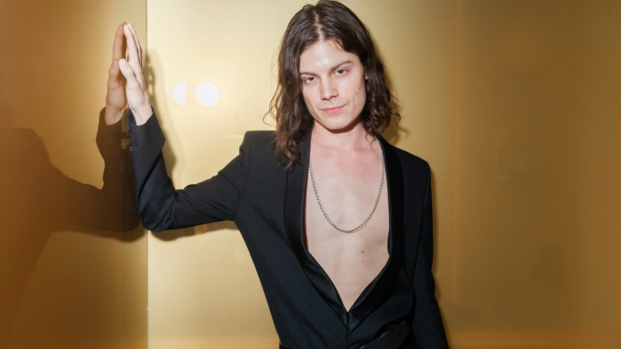 How Børns Gets Ready for a Fashion Week Party