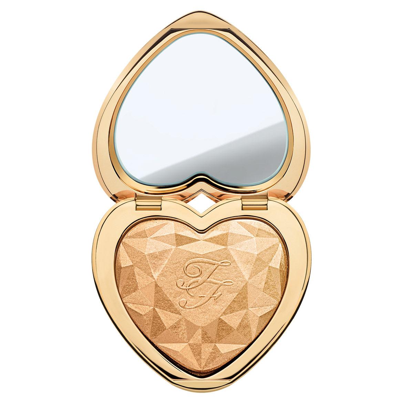 Gigi Hadid's Makeup Artist Shares A Date Night Makeup Look ...