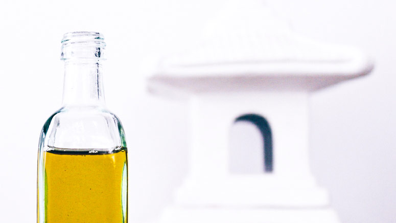 What Happened When An Editor Washed Her Face with Olive Oil
