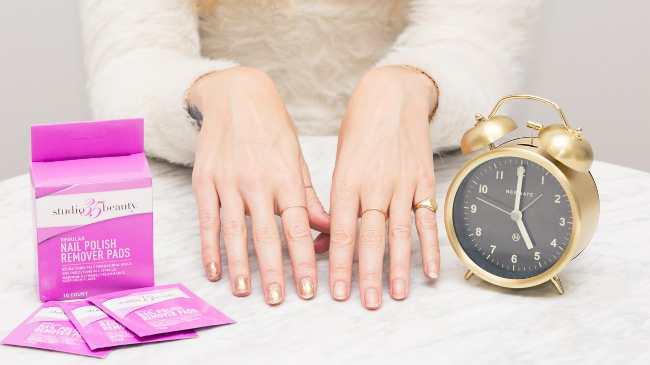 How to Remove Glitter Nail Polish in 60 Seconds