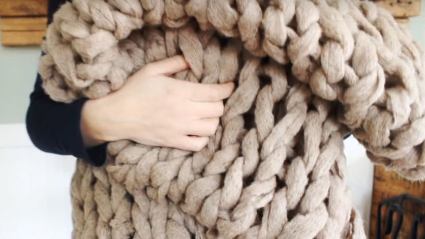 11 Beginner Knitting Tutorials for When You're Bored on Winter Break