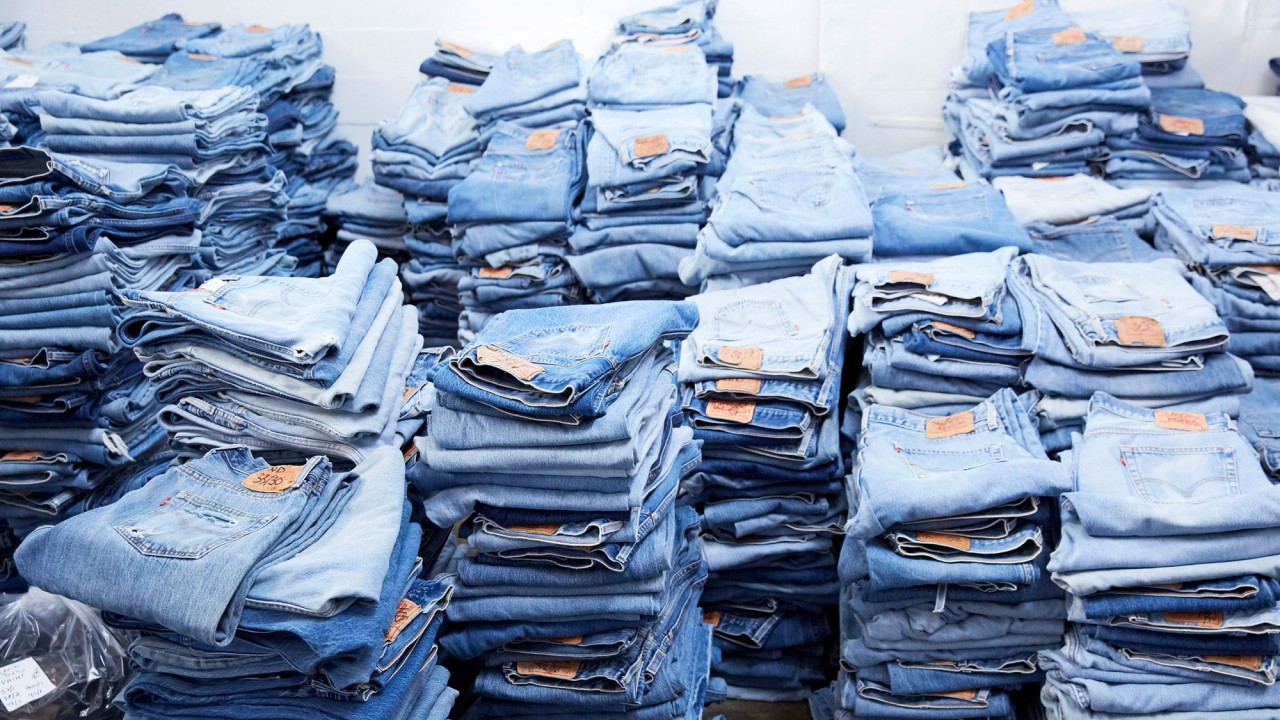The Jeans with a 3,000-Person Wait-List Were Just Restocked