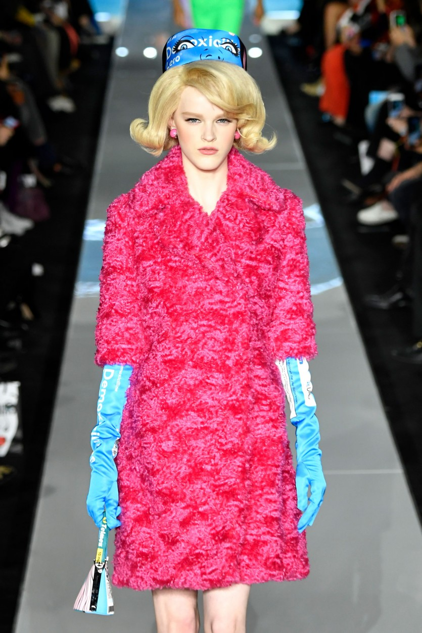 gloves fashion week trend