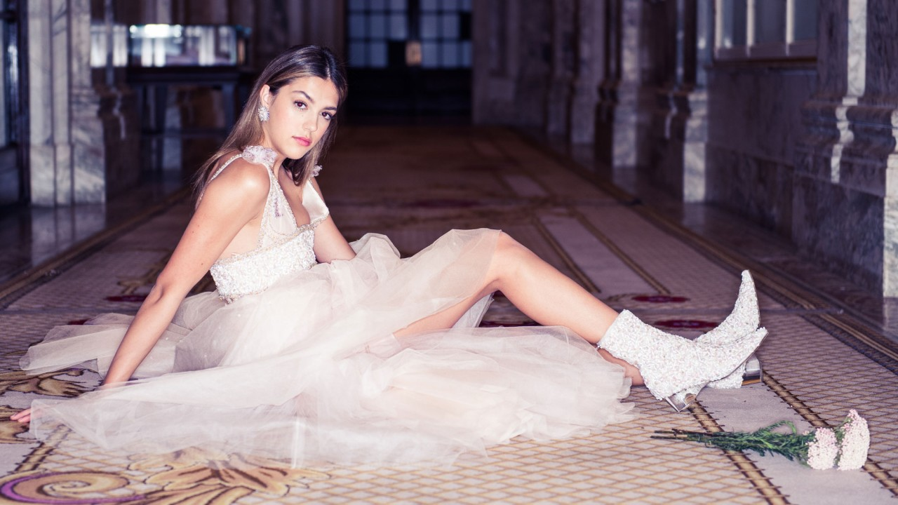 SISTINE STALLONE STEPS <br>INTO THE SPOTLIGHT