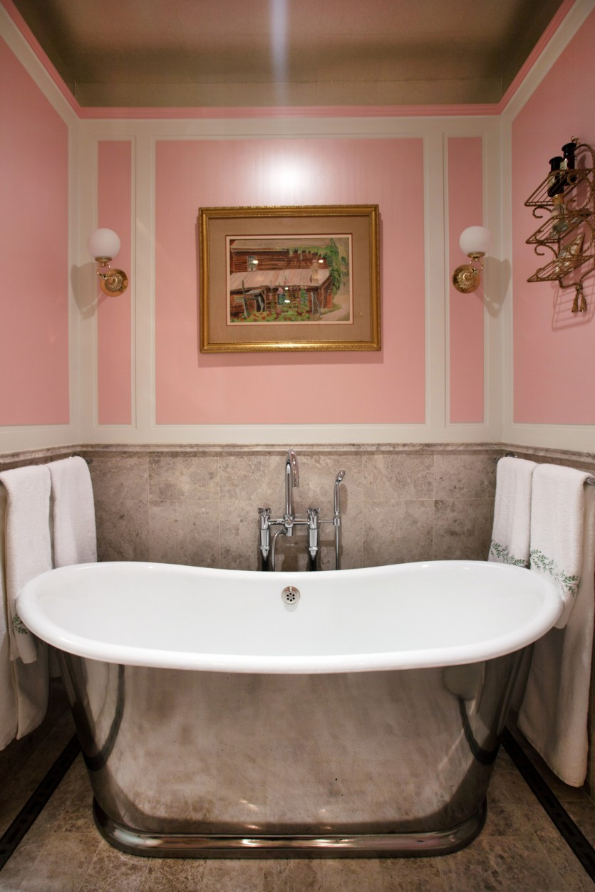 most glam bathrooms