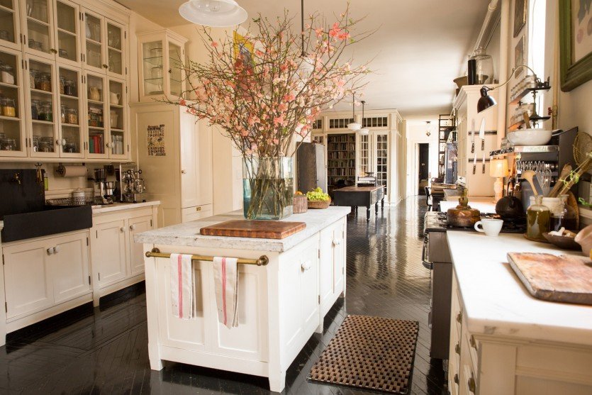 inside roman and williams interior designers home