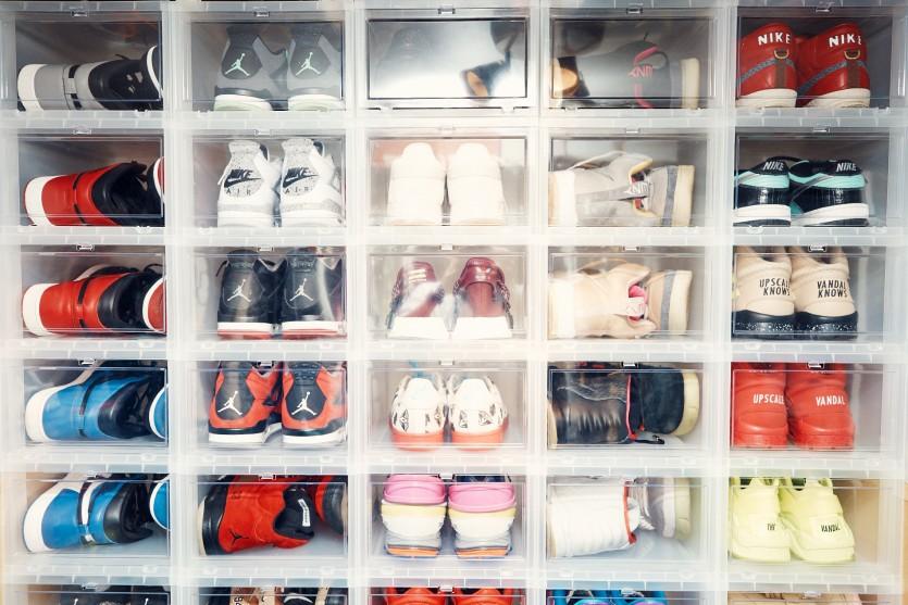 inside upscale vandal closet