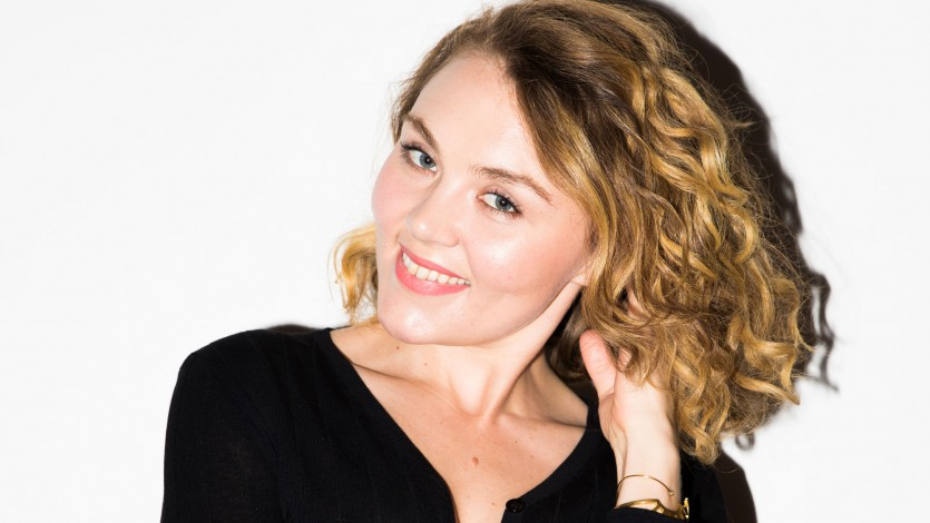 How To Style A Curly Bob Haircut Coveteur