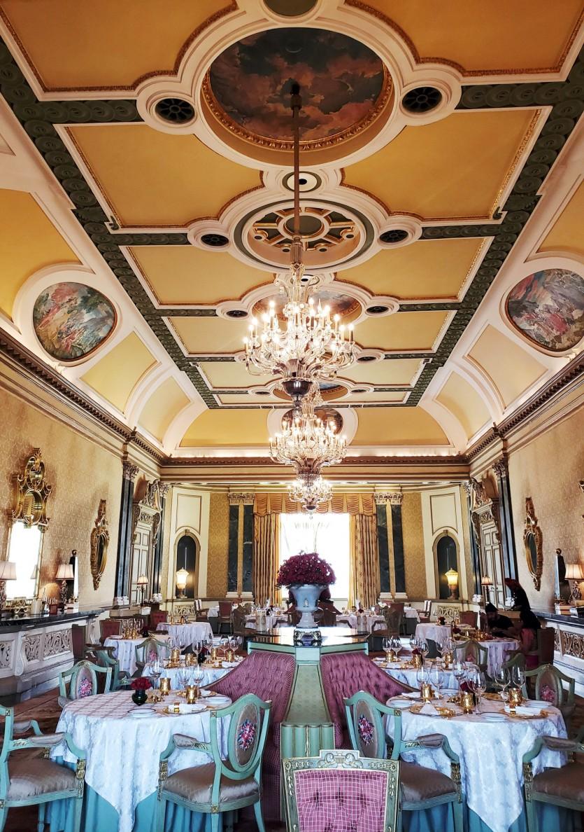 inside taj rambagh palace
