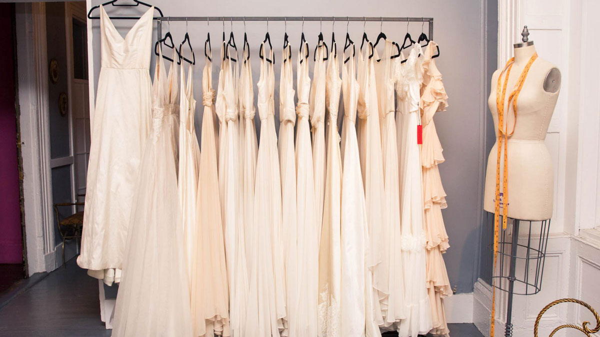 28 Chic Wedding Dresses for Women with Bigger Busts
