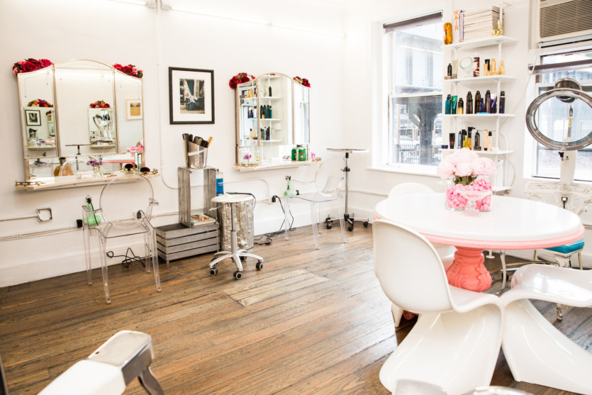 wonderland beauty parlor