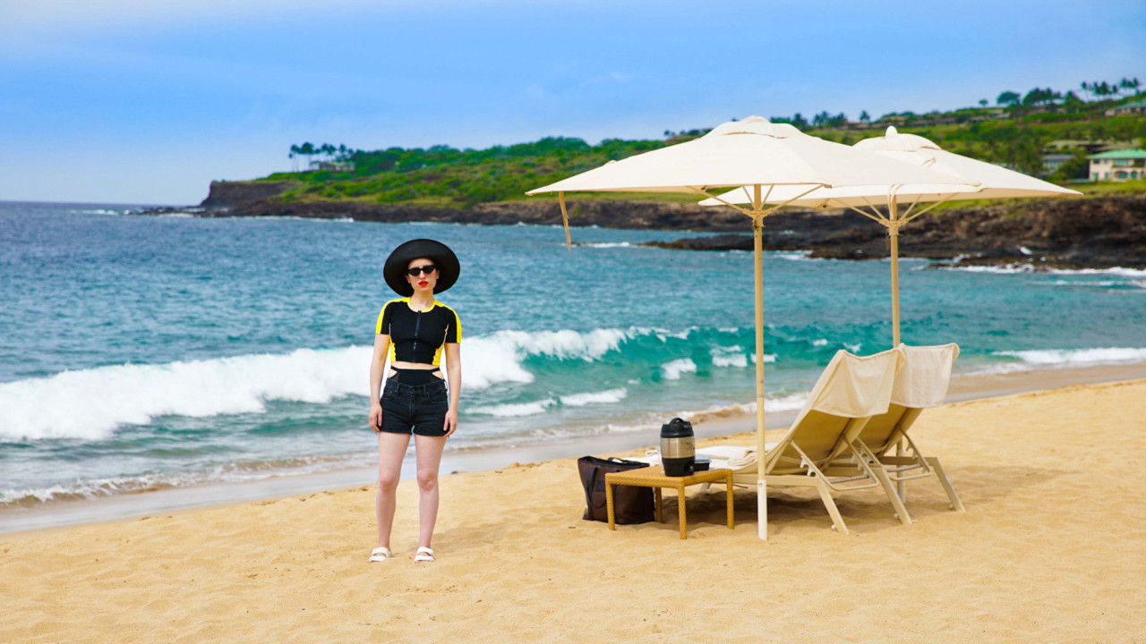How to Do Hawaii's Secret Private Island According to Zoe Lister Jones