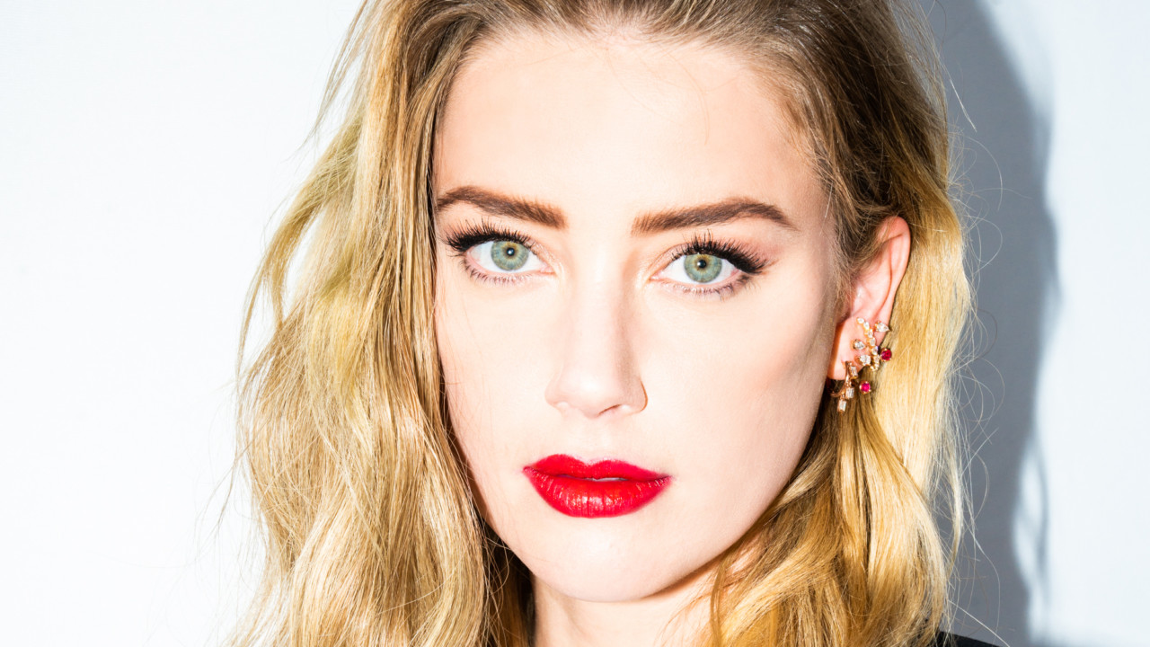 Amber Heard Blares Lil Wayne in the Car Before a Red Carpet & Can