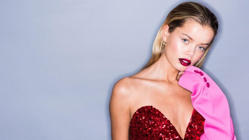 e07dac2e48f1 How to Beauty  A Glossy Ombre Red Lip