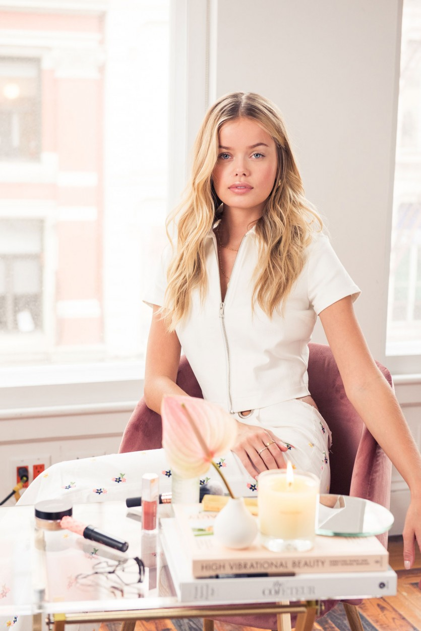 inside frida aasen makeup bag