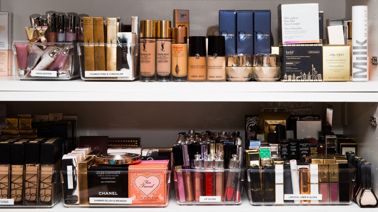 french beauty products parisian women use during holidays