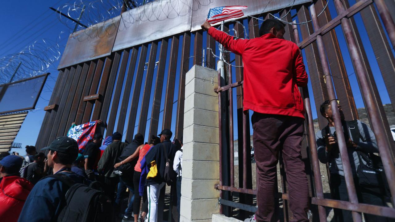 tear gas at the u.s. border