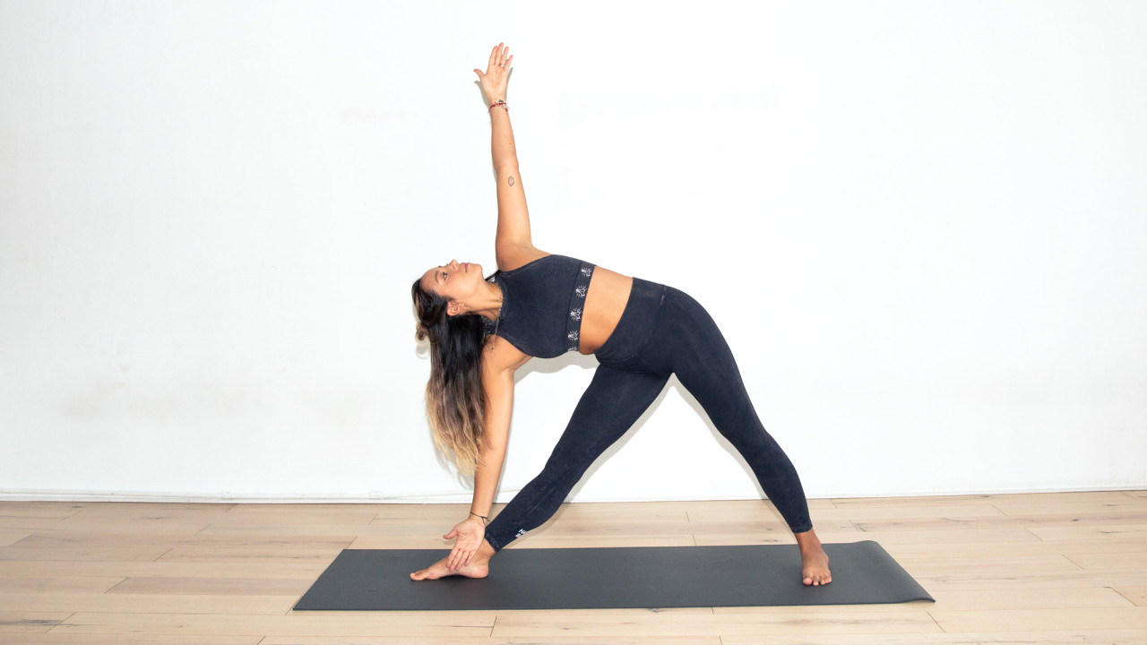 Feel Your Best Over the Holidays with This 30-Day Yoga Challenge
