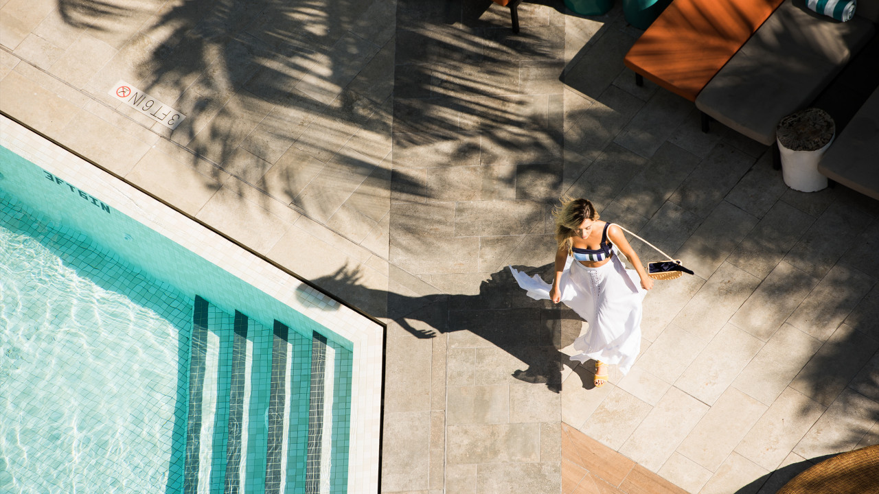6 Pitch-Perfect Poolside Looks for Your Next Getaway