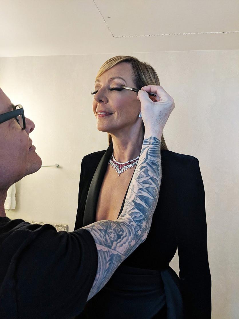 Allison Janney Pics allison janney getting ready for the 2019 oscar awards