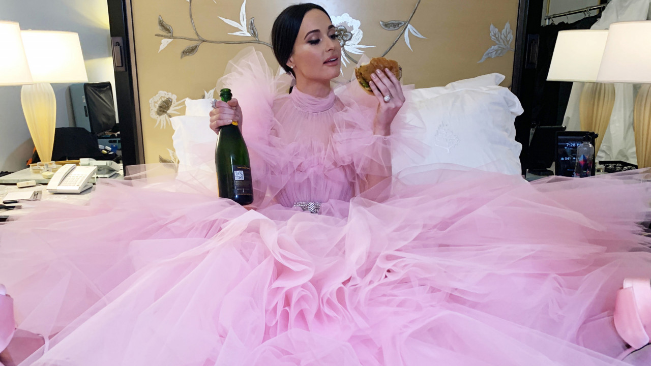 Kacey Musgraves Eats Burgers in Couture Post-Oscars