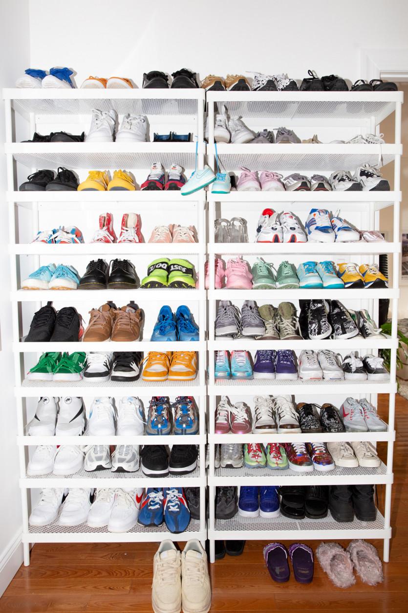 inside ava nirui closet