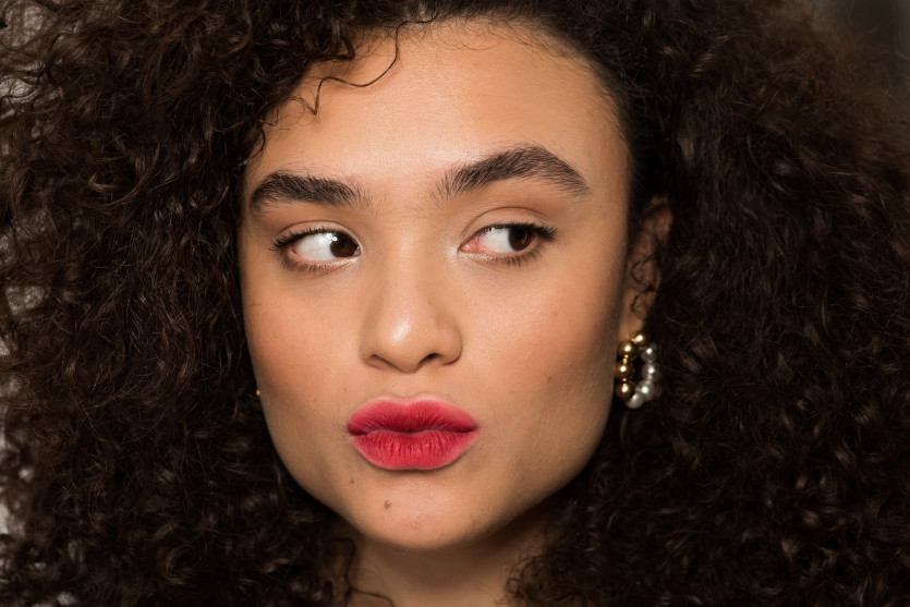 how to create blurred neon lip