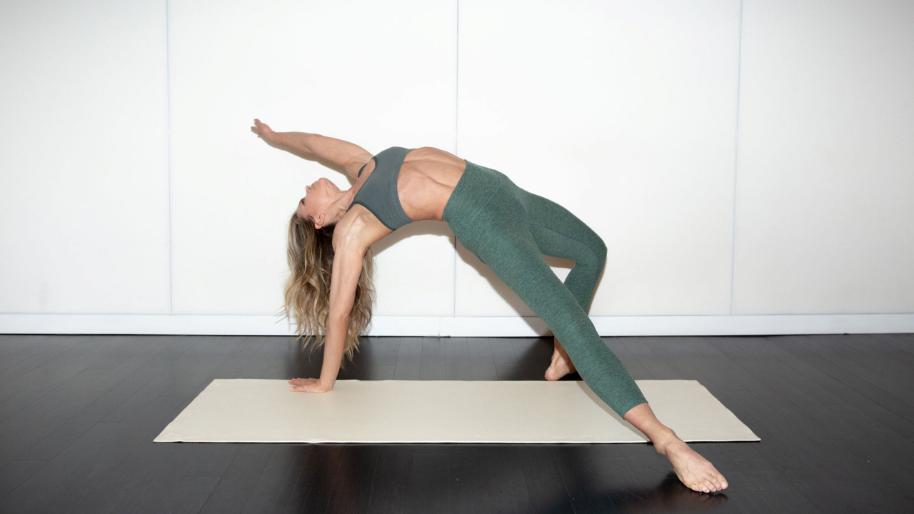 Perfect Your Posture with These 6 Pilates Moves