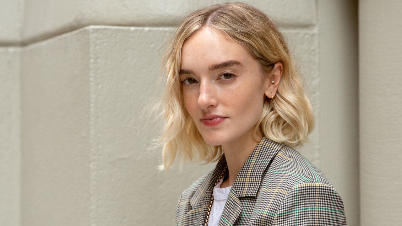 An Editor Reviews Tinting Her Eyebrows With Beard Dye Coveteur