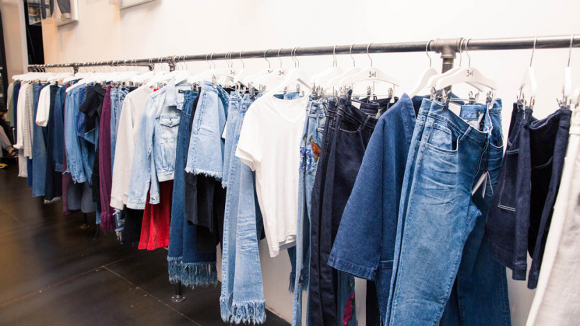 Our Foolproof Guide to Shopping for Denim Online