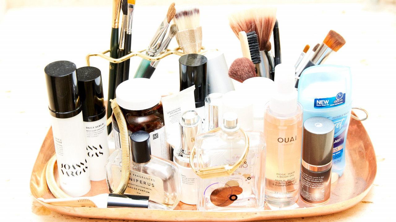 6 Beauty Products I Always Keep at My Desk