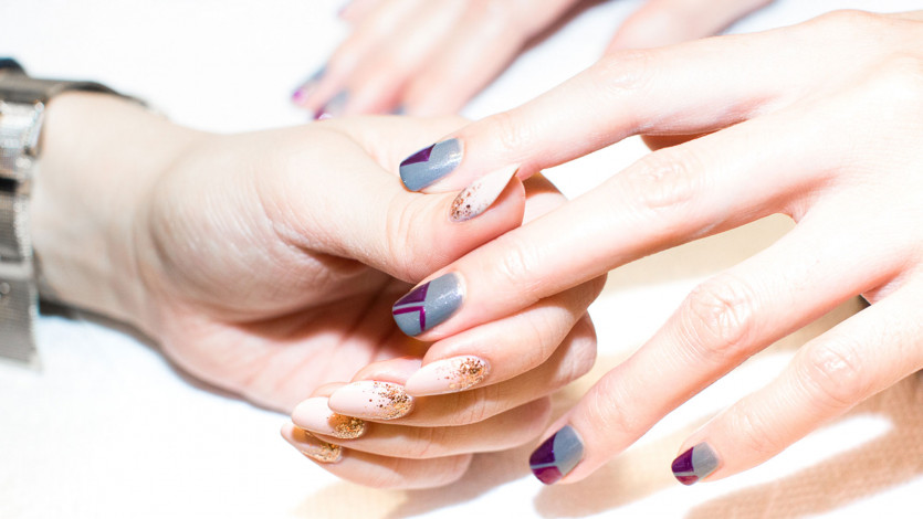 11 Holiday Nail Colors for an Extra Festive Manicure