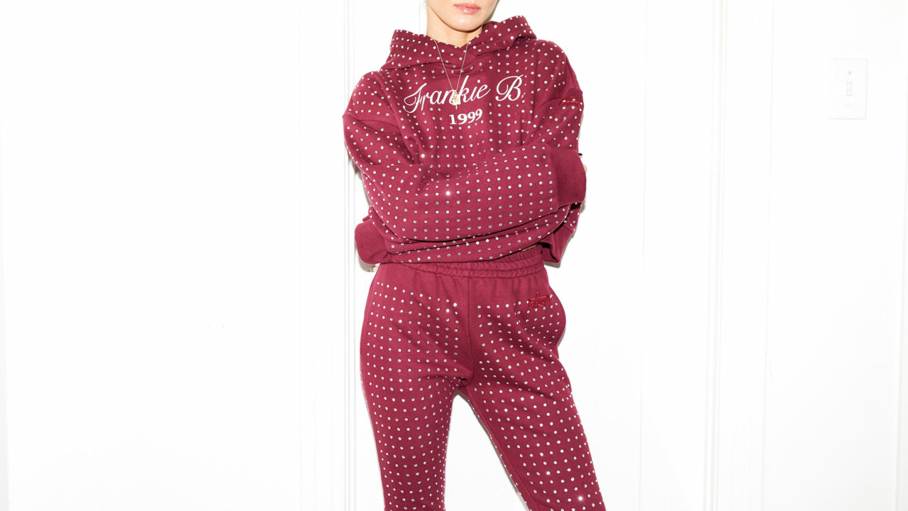 9 Reasons You Need a Luxe Sweatsuit In Your Life