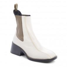 chloe bea chelsea boot
