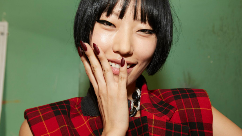 Our Favorite NYFW Nail Trend Is a Major '90s Throwback
