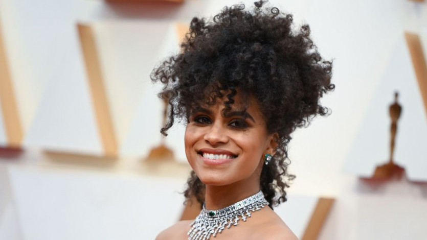 Romantic Curls, Statement Lips, and Smoky Eyes Ruled the Oscars Red Carpet