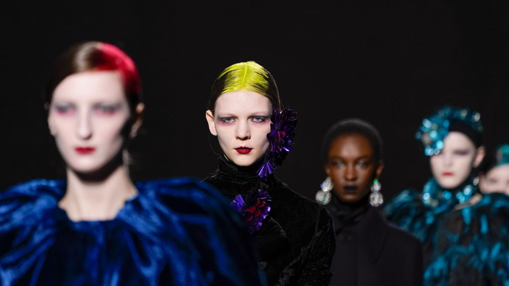 Standout Hair and Makeup Looks from Paris Fashion Week