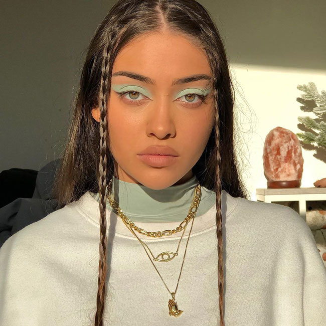pastel eyeshadow
