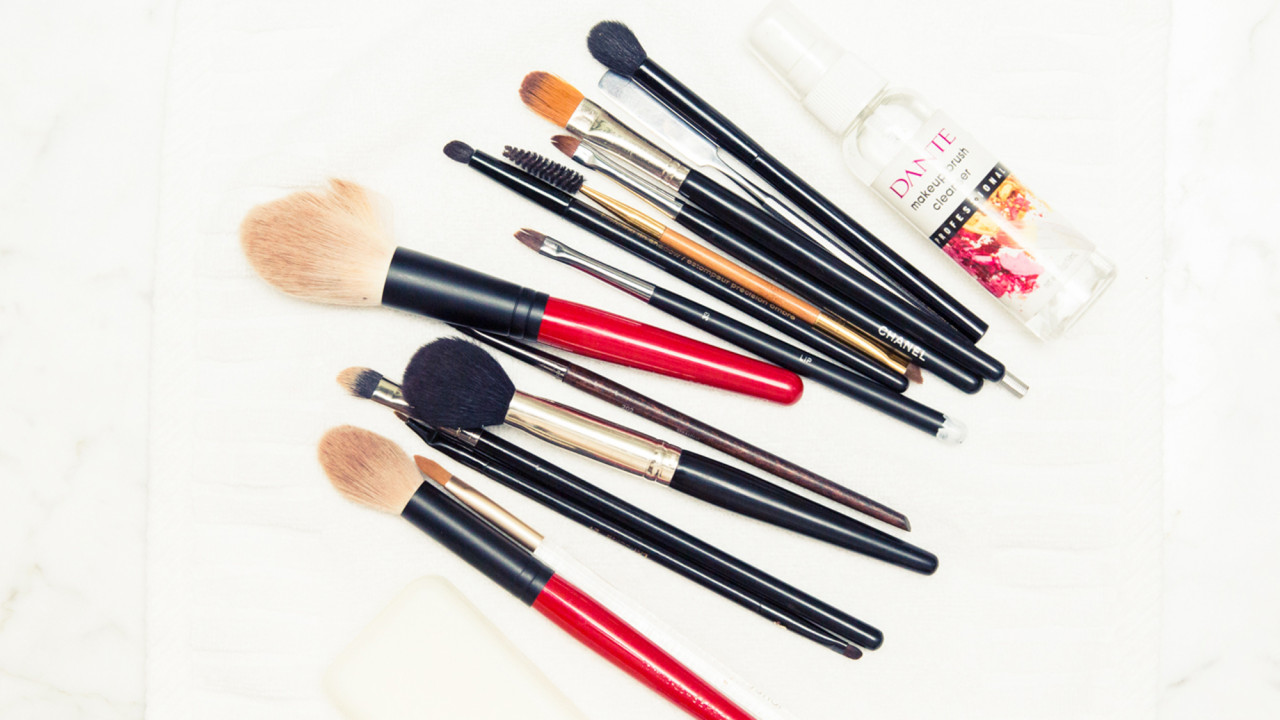 3 Makeup Artists Reveal Their Favorite Multi-use Makeup Brushes